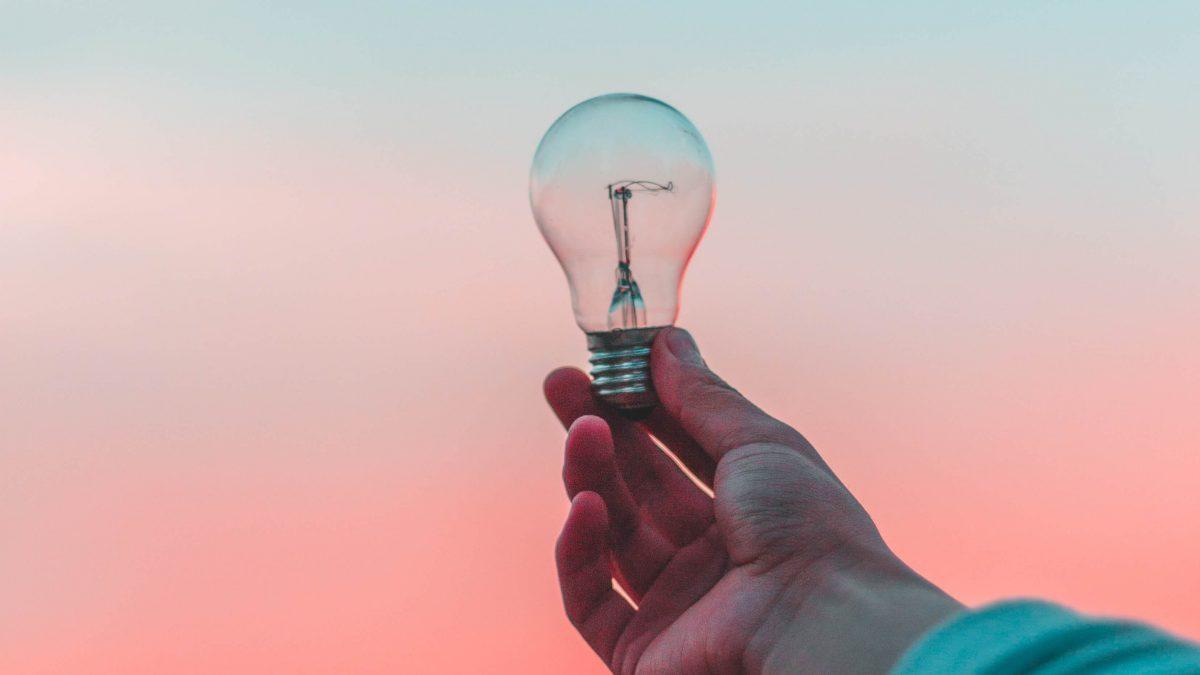 Diez consejos para ahorrar luz en lo que queda del invierno